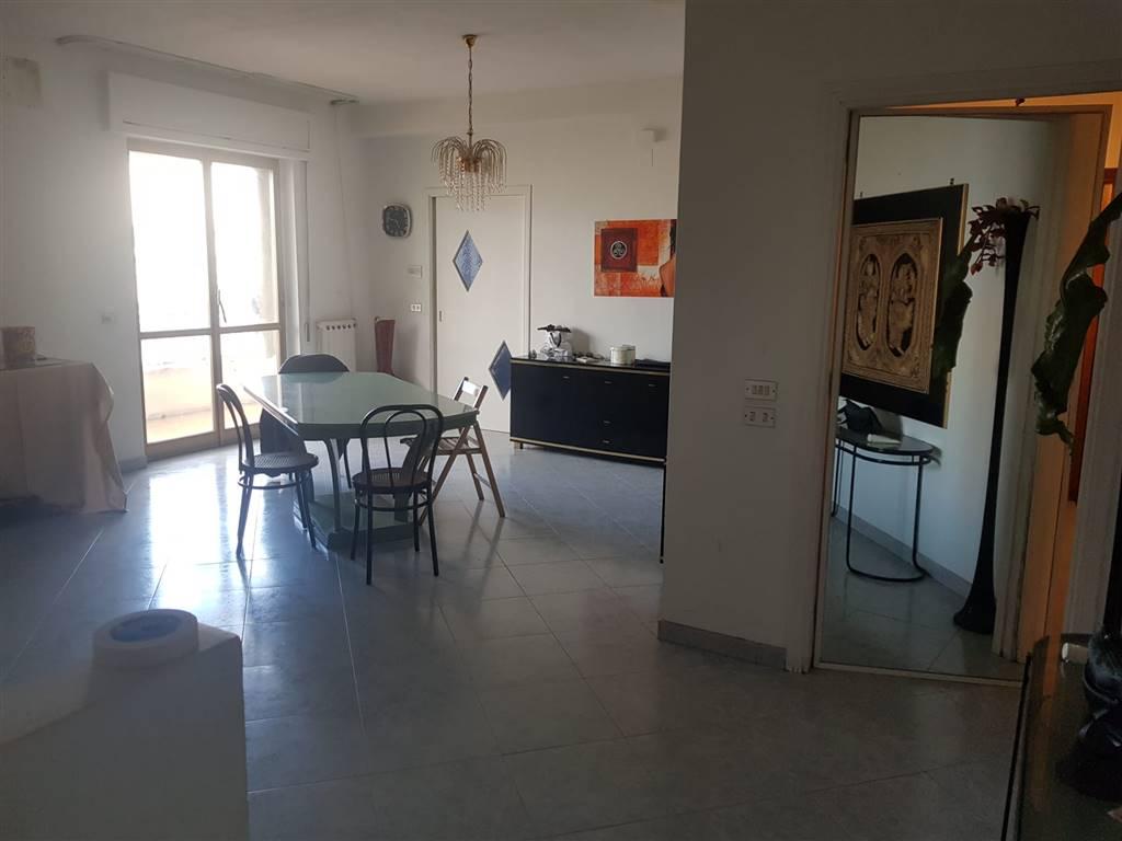 Appartamento in vendita a Barletta, 5 locali, prezzo € 159.000   CambioCasa.it