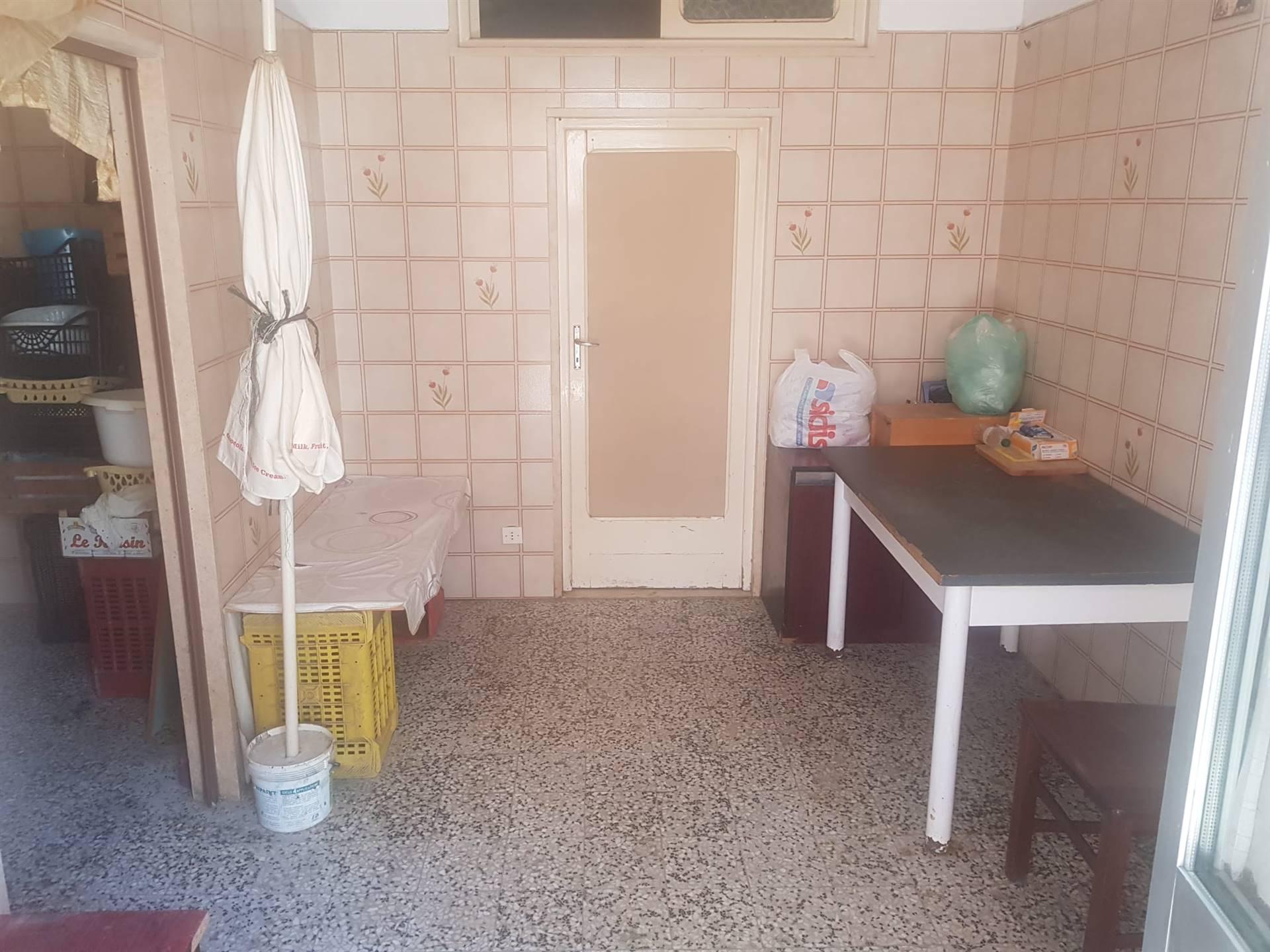 Appartamento in vendita a Barletta, 3 locali, zona Località: BARBERINI, prezzo € 55.000 | CambioCasa.it