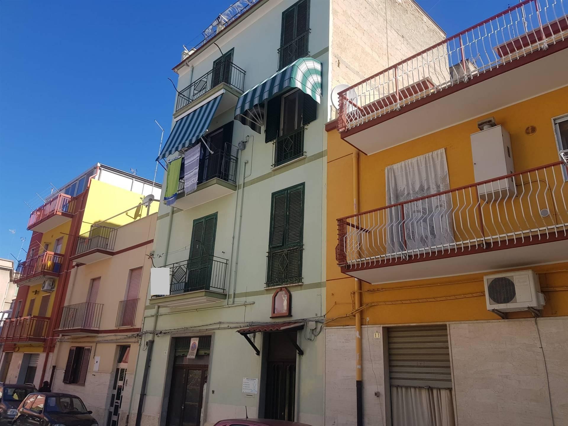 Appartamento in vendita a Barletta, 3 locali, prezzo € 75.000 | CambioCasa.it