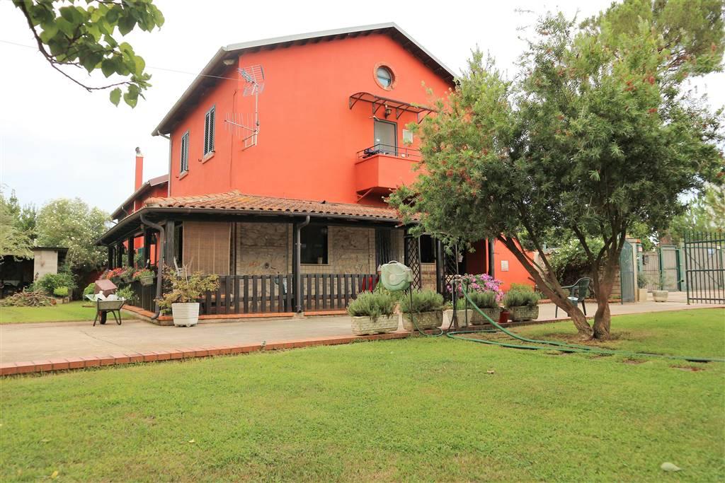 Villa bifamiliare a LATINA