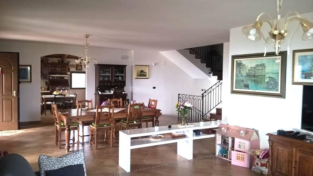 Villa In Verkauf in Francavilla Al Mare Zone Contrada santa cecilia ...
