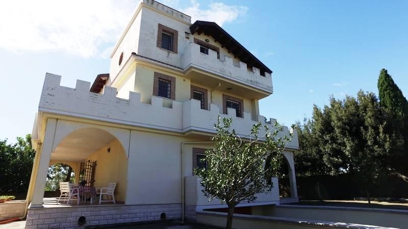 Villa in Via Colle Paradiso 4, Collecorvino