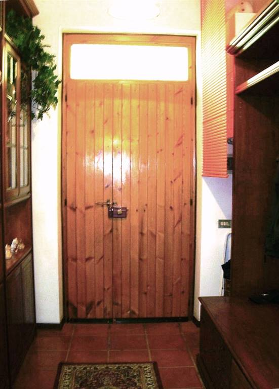App. 1°p. Ingresso/1st floor apartment entrance
