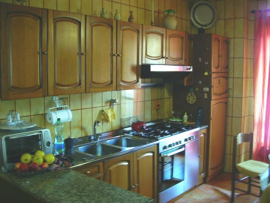 App. 1°p. Cucina/1st floor kitchen