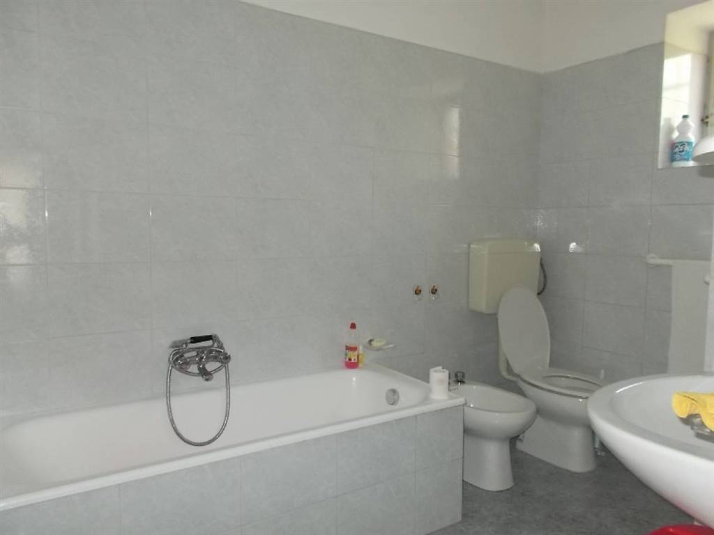 bagno piano terra/ground floor bathroom