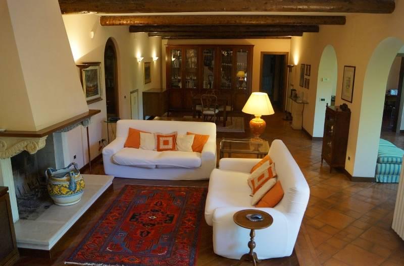 Salotto/living area