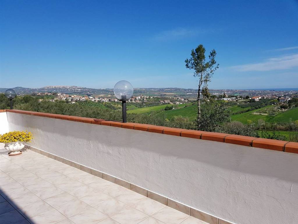 vista dal balcone/view from house