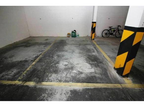 Posto auto coperto/underground parking space