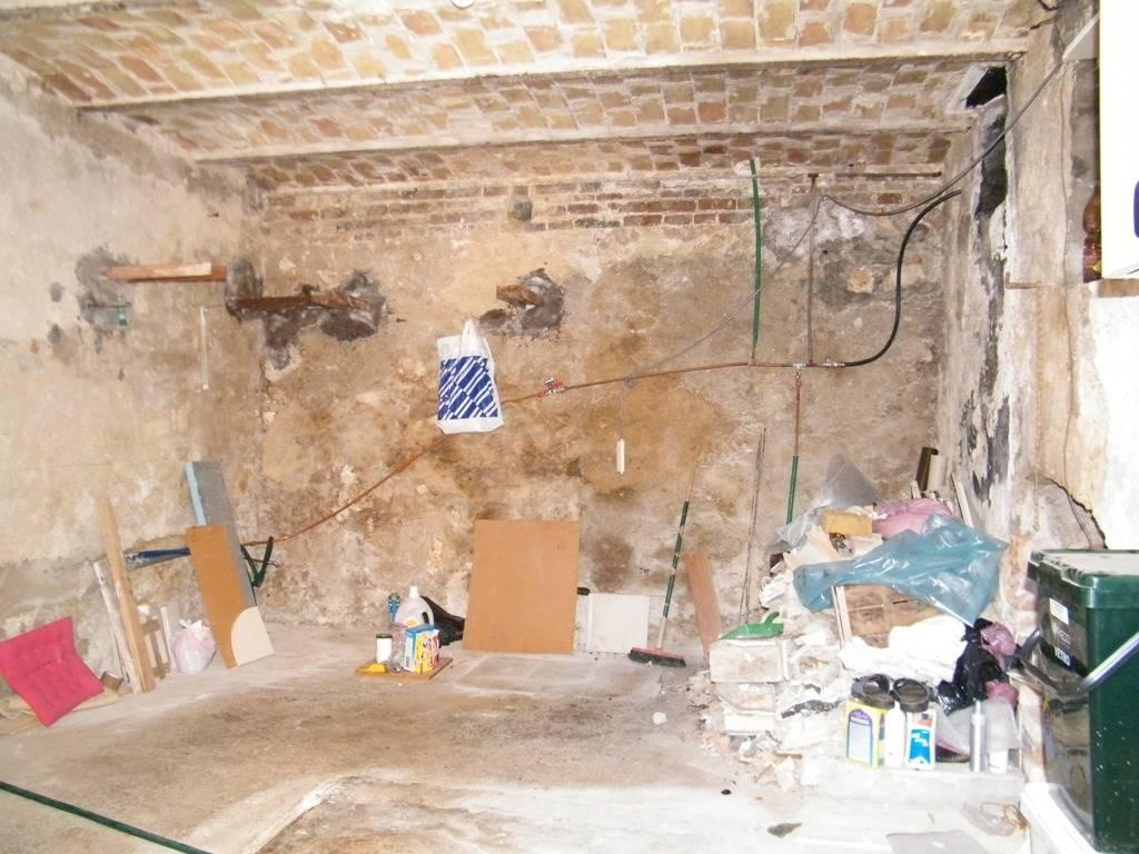 Cantina/basement