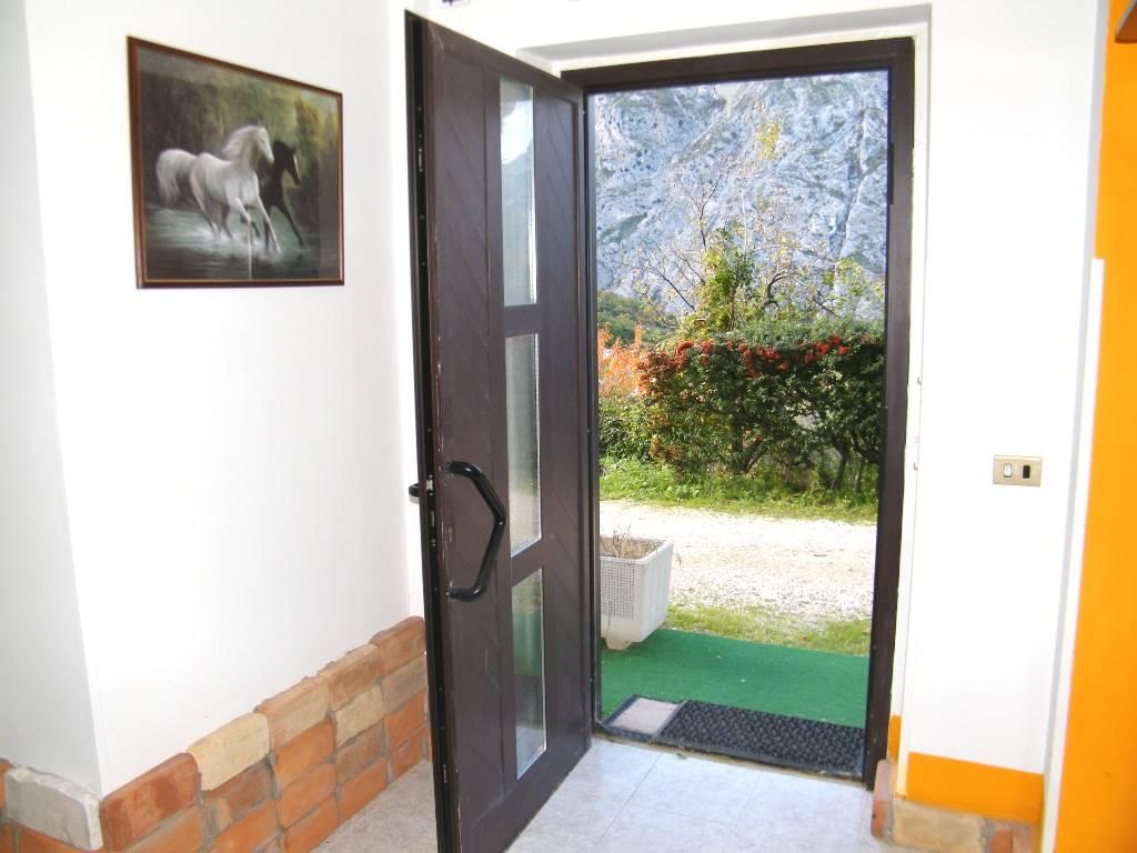 ingresso/front door