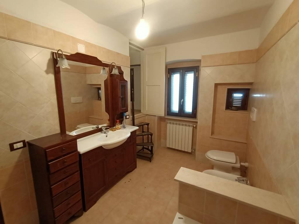 bagno piano secondo second floor bathroom
