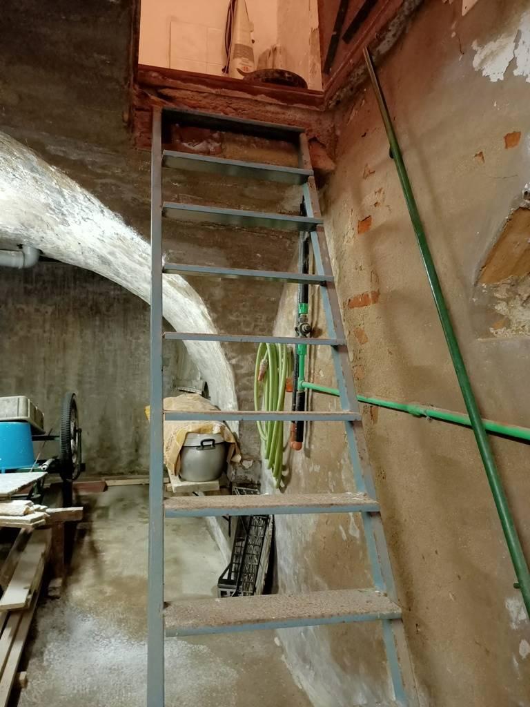 scale al semi interrato stairs to basement