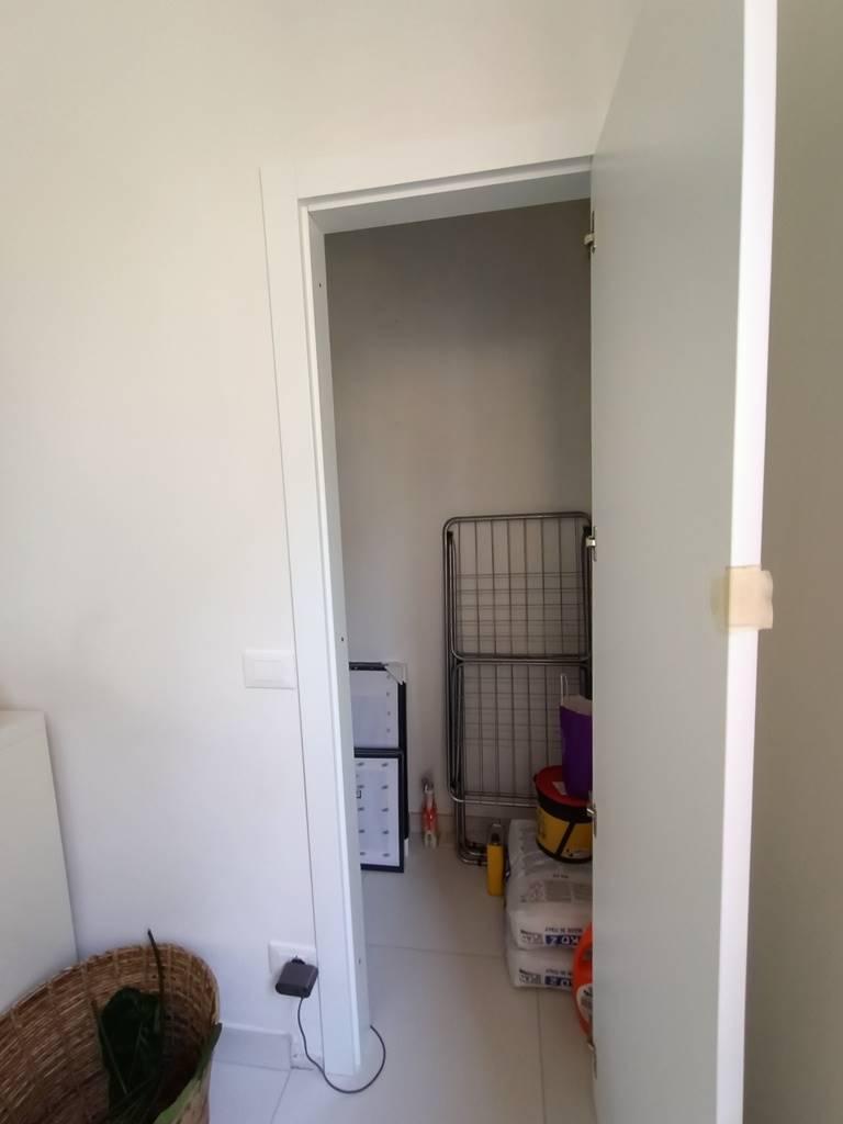 accesso al sottotetto access to attic