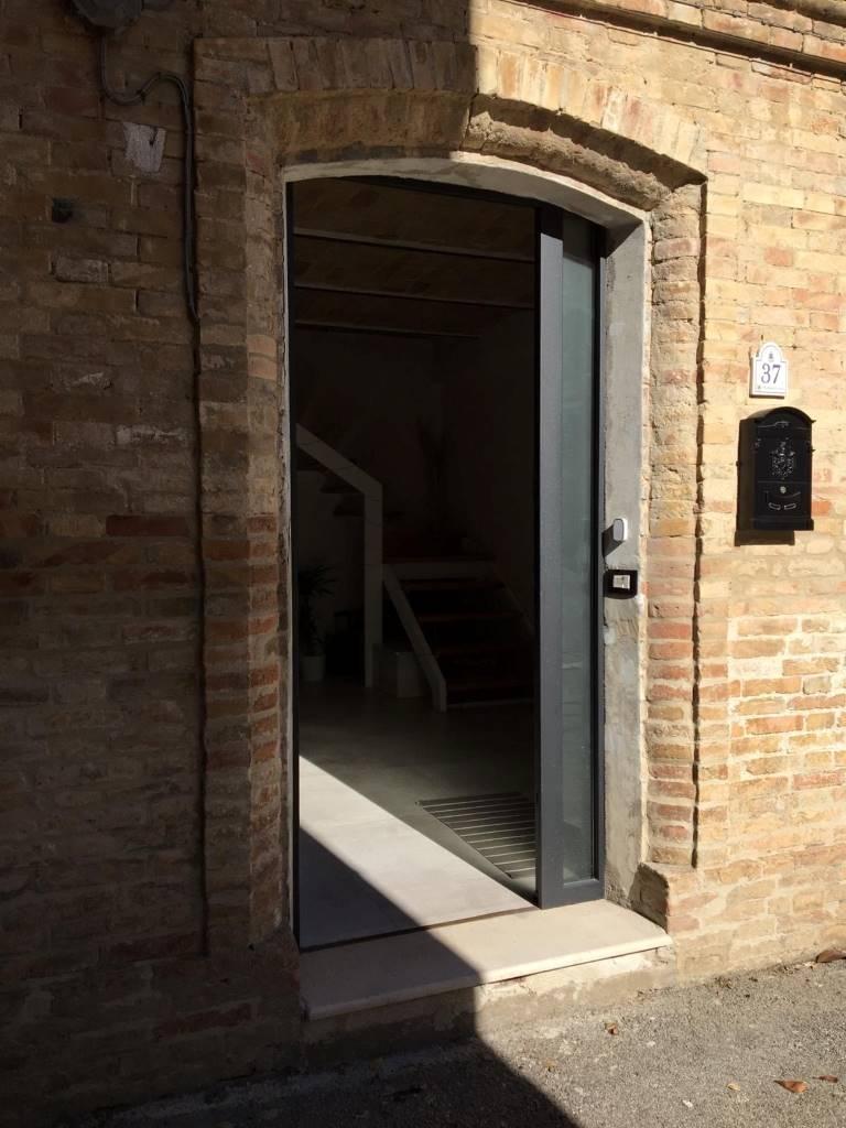 ingresso entrance