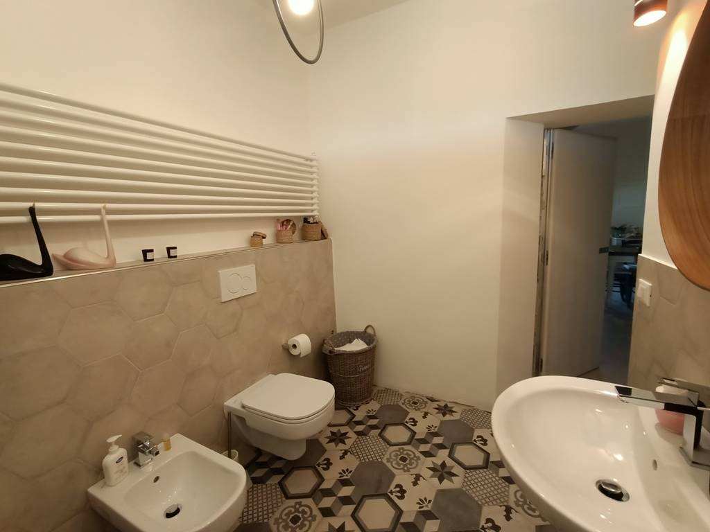 bagno pt ground floor bathroom