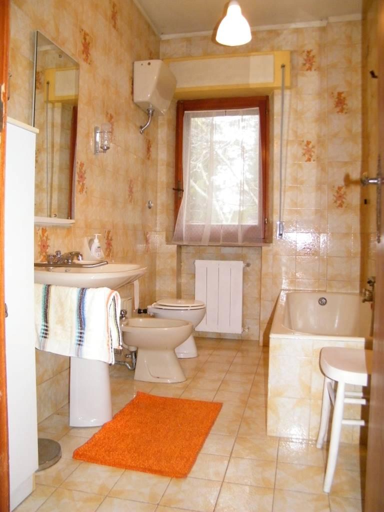 bagno pt ground floor bathroom