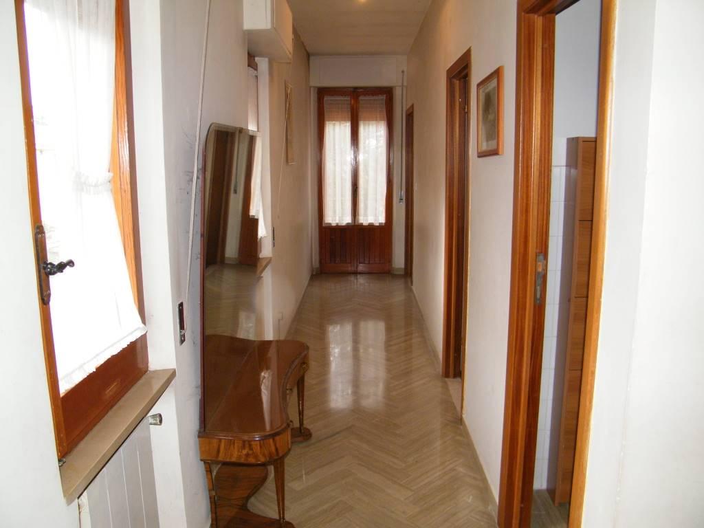 corridoio 1°piano 1st floor corridor
