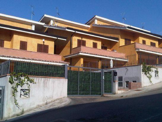 Appartamento in vendita a Montalto Uffugo, 4 locali, zona Località: SETTIMO, prezzo € 129.000 | CambioCasa.it