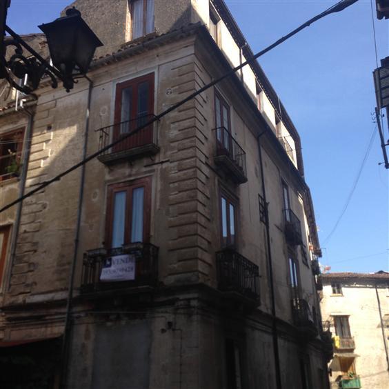 Appartamento in Via Salfi, Centro Storico, Cosenza
