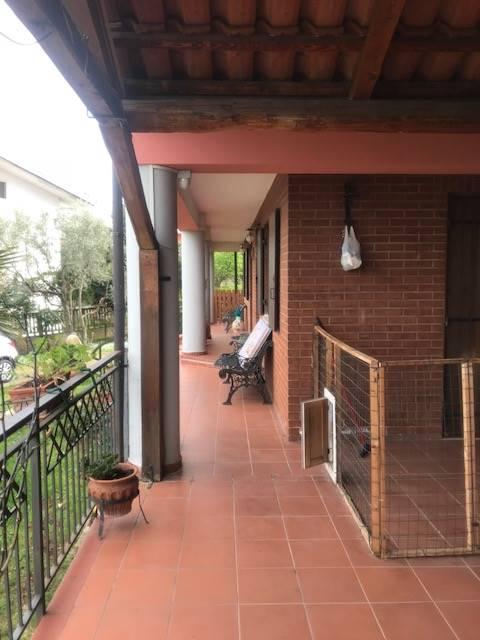Villa a Schiera in vendita a Marano Marchesato, 9 locali, prezzo € 140.000   CambioCasa.it