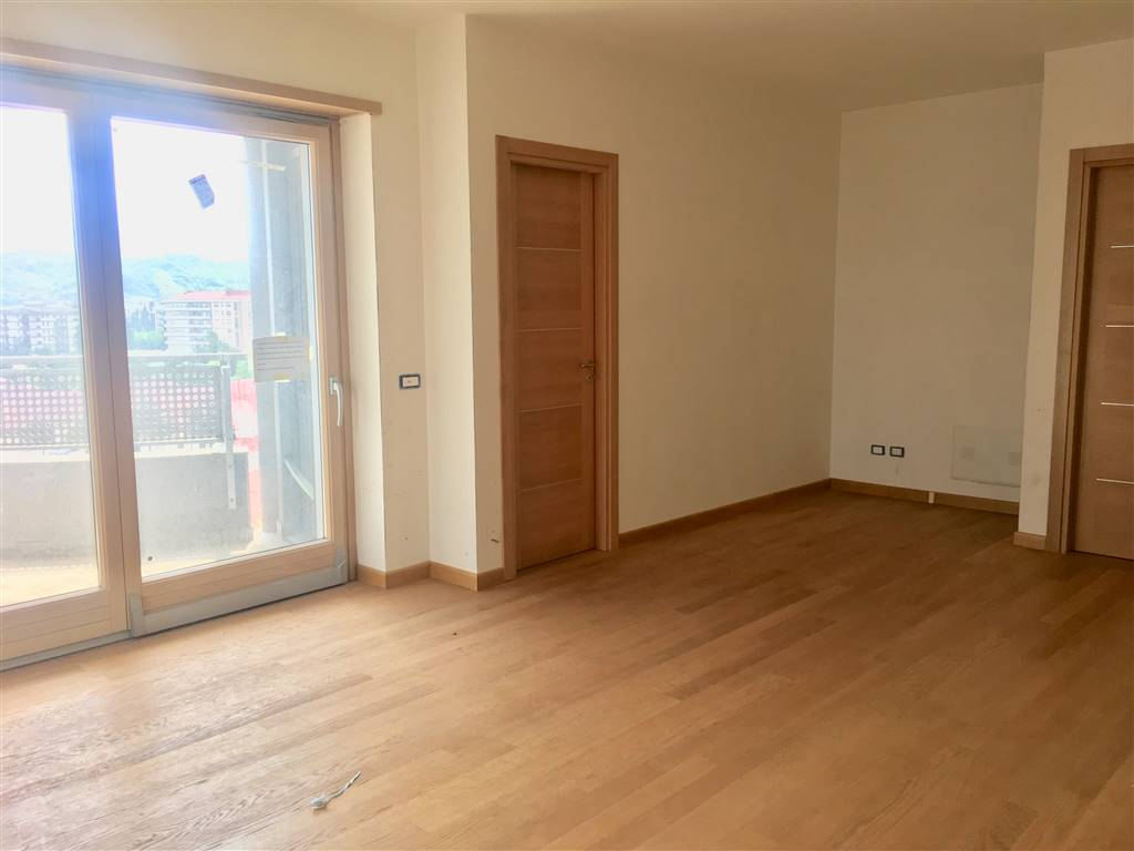 VIA PANEBIANCO, COSENZA, Apartment for sale of 103 Sq. mt., New construction, Heating Individual heating system, Energetic class: A, placed at 3°,