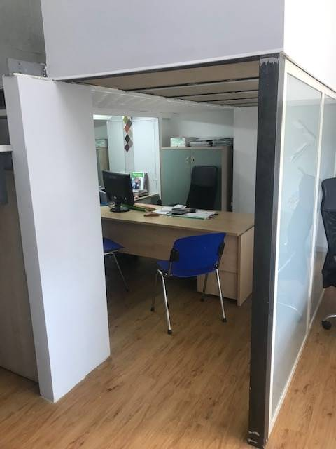 PIAZZA EUROPA, COSENZA, Business unit for rent of 50 Sq. mt., Excellent Condition, Energetic class: G, placed at Ground on 6, composed by: 1 Room, 1