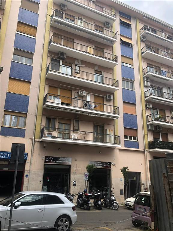 LORETO, COSENZA, Apartment for sale of 100 Sq. mt., Be restored, Heating Individual heating system, Energetic class: G, placed at 3° on 7, composed