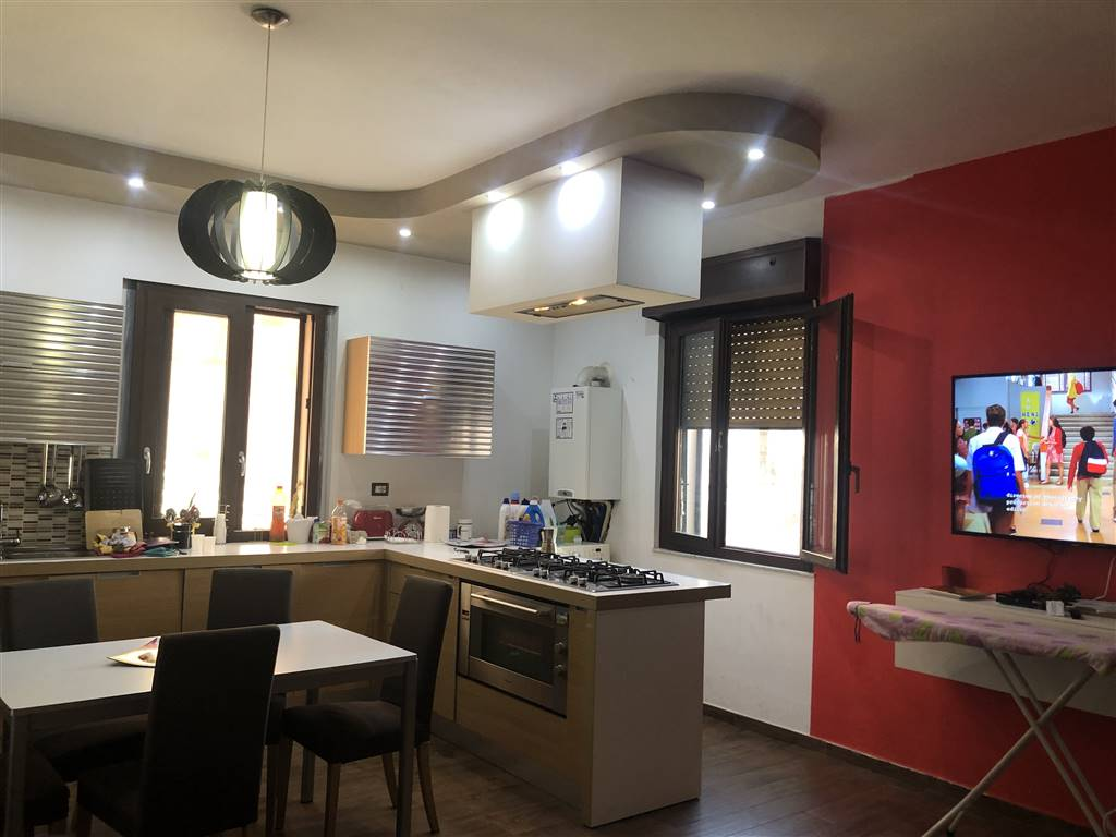 MUOIO PICCOLO, COSENZA, Apartment for sale of 110 Sq. mt., Restored, Heating Individual heating system, Energetic class: G, placed at 2° on 2,