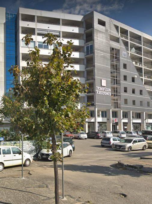 Cosenza centro - Home Recidence- Viale Giacomo Mancini- Appartamento posto al sesto piano e cosi composto, ingresso, zona living (angolo cottura,