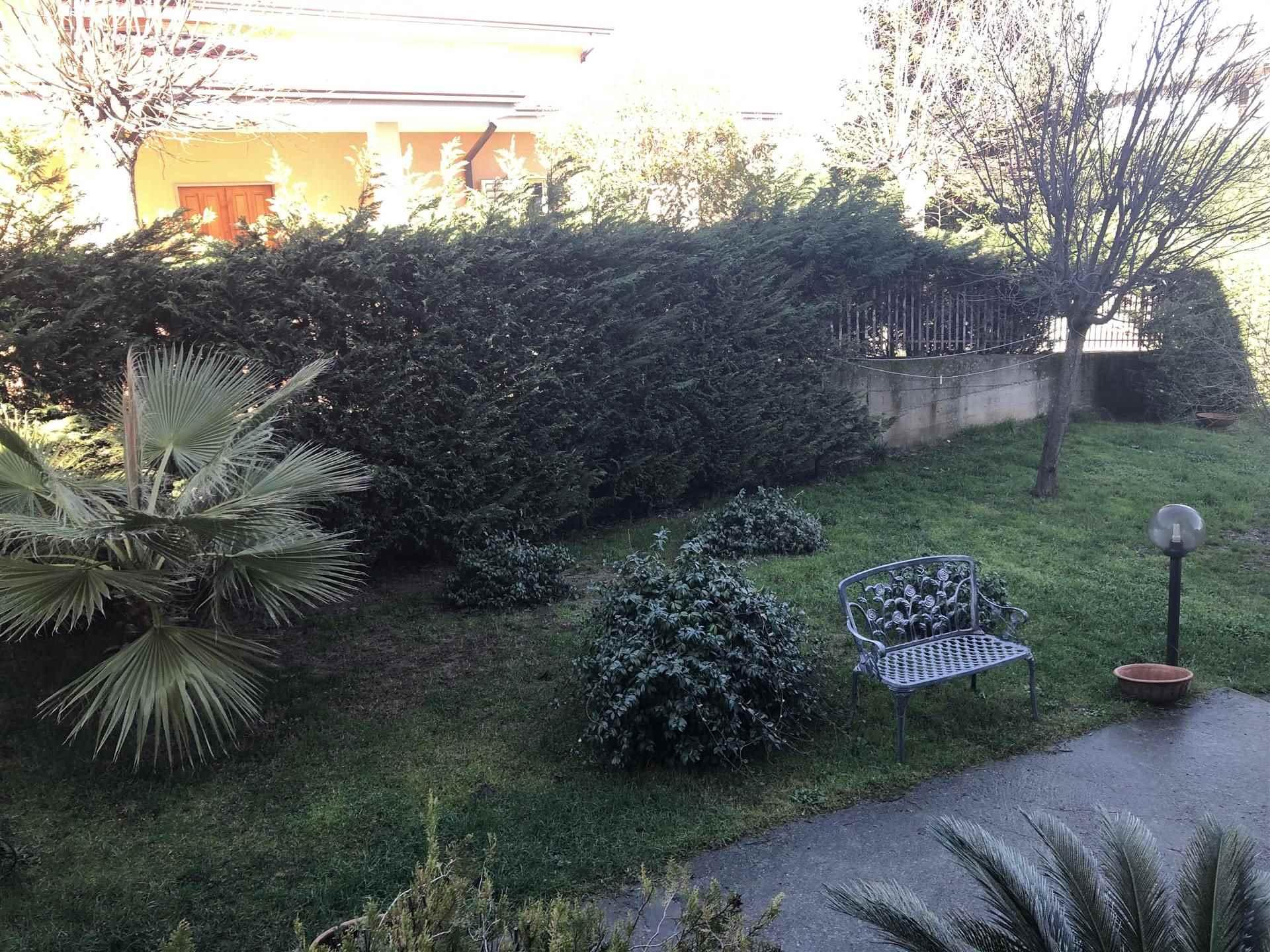 Soluzione Indipendente in vendita a Marano Marchesato, 5 locali, prezzo € 130.000   CambioCasa.it