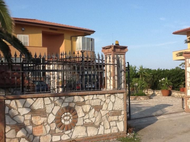 Villa, Periferia, Crotone