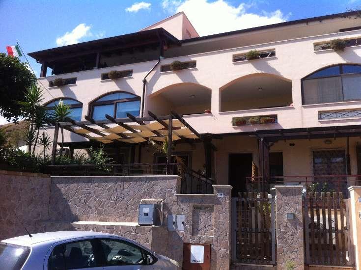 Villa, Crotone