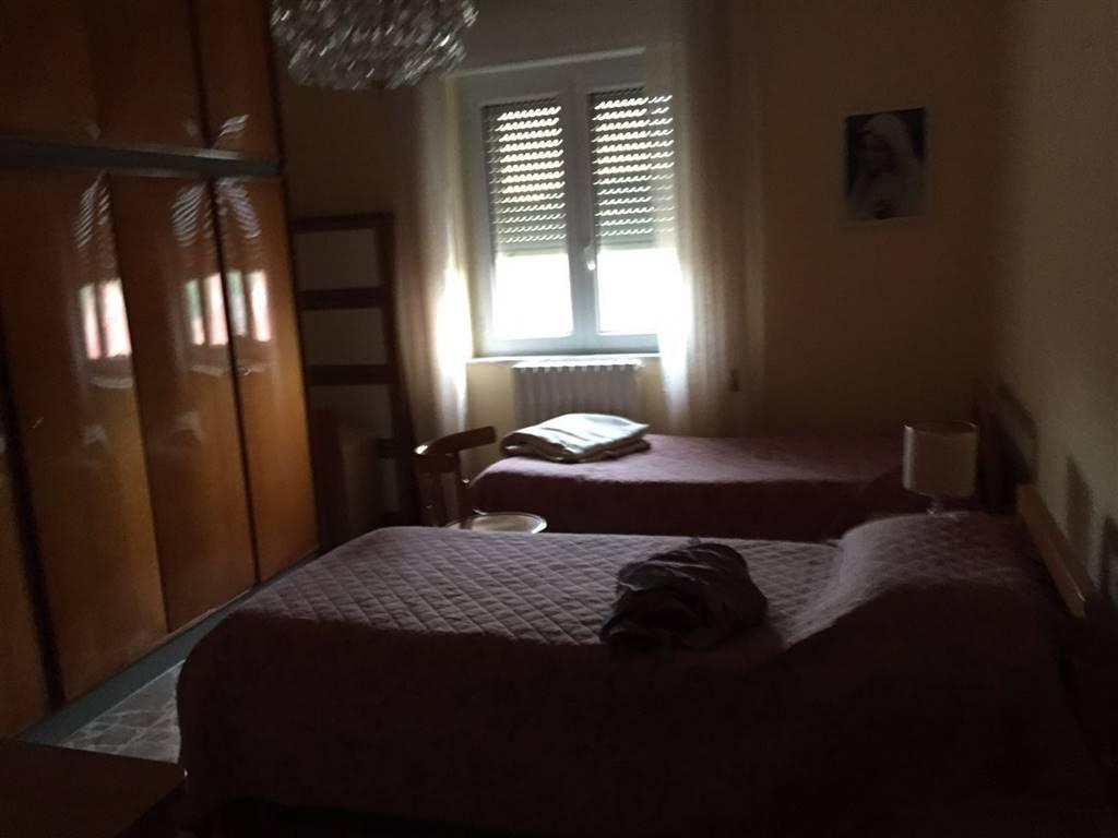 Trilocale in Via Iv Novembre  20, Crotone