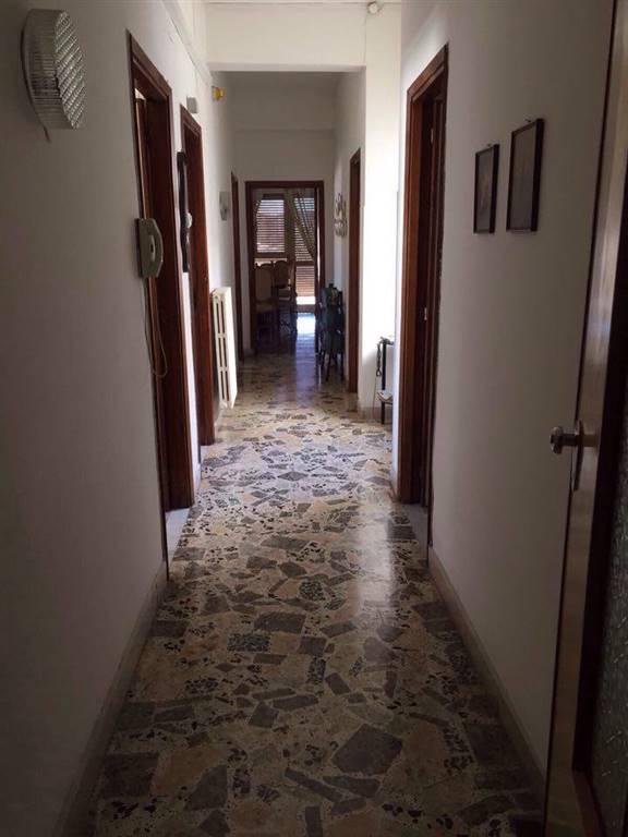 Quadrilocale in Via Ruffo, Centro, Crotone