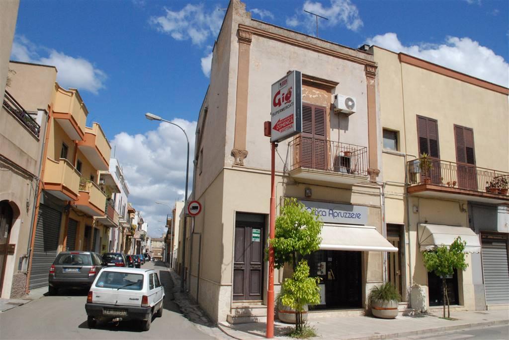 Appartamento in vendita a Latiano, 3 locali, prezzo € 55.000 | CambioCasa.it