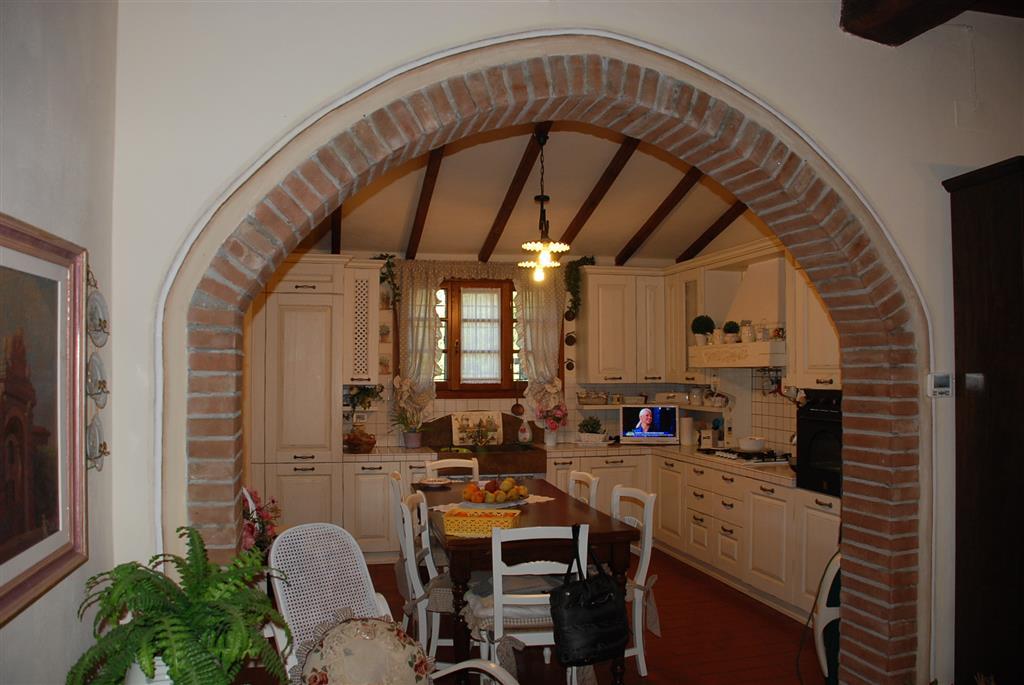 Villino, Fungiaia, Crespina Lorenzana, ristrutturato