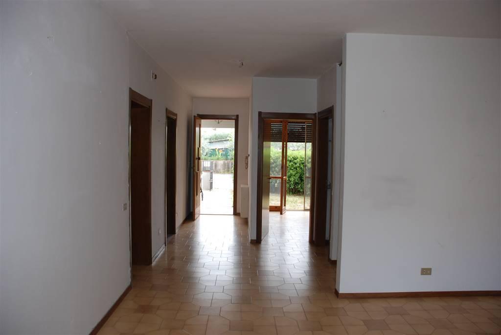 Villa a schiera, Cenaia Vecchia, Crespina, abitabile