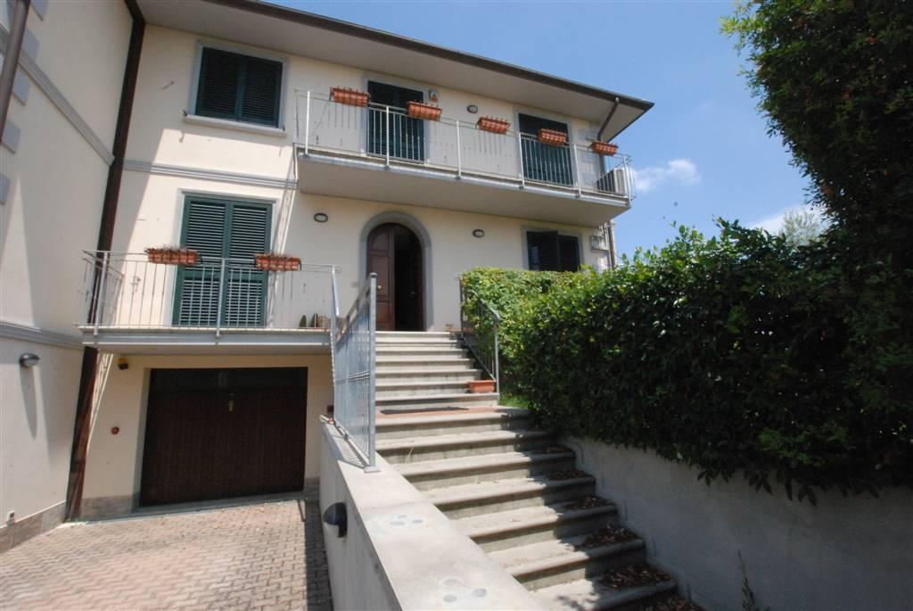 Villa a schiera, Collesalvetti