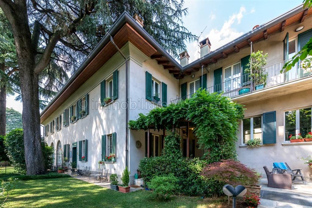 Villa in Via Claudio Cesana 2, Carate Brianza