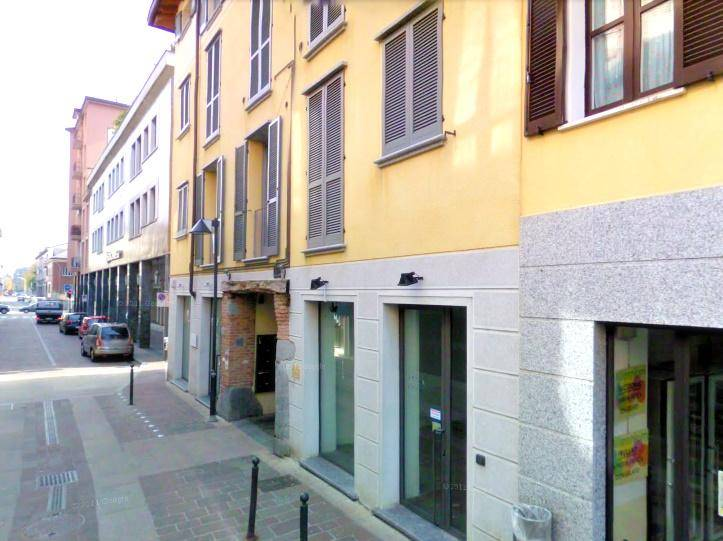 Bilocale in Via Cavour  48, Seregno