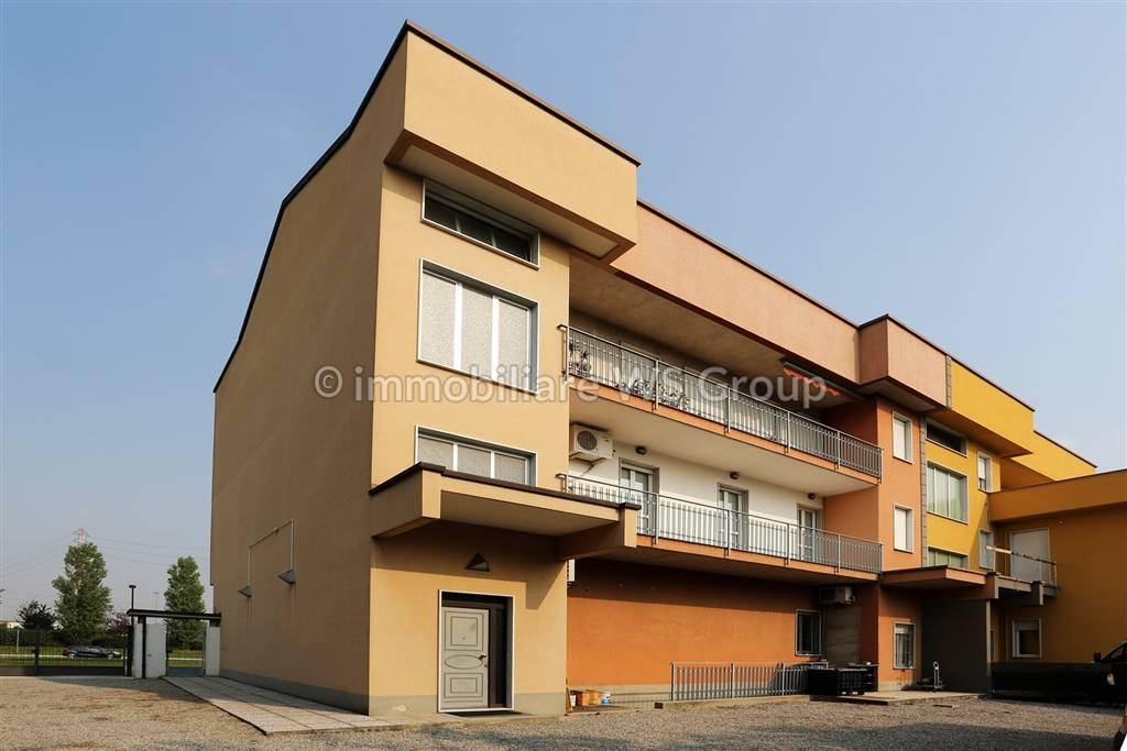 Quadrilocale in Via Circonvallazione 40/b, Varedo