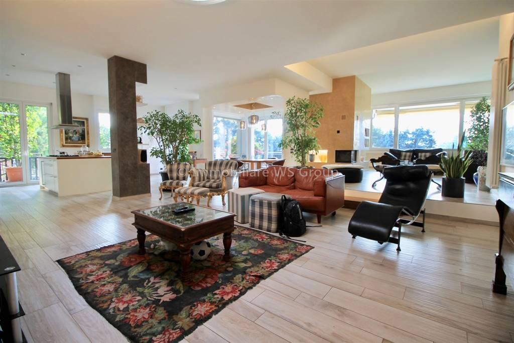 Appartamento in Via Gaetano Donizetti 4, Carate Brianza
