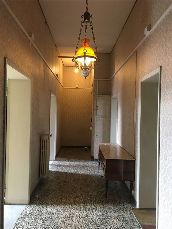ALBERTI, FIRENZE, Appartement des vendre de 124 Mq, À restauré, Chauffage Autonome, Classe Énergétique: G, Epi: 178 kwh/m2 l'année, par terre 1° sur