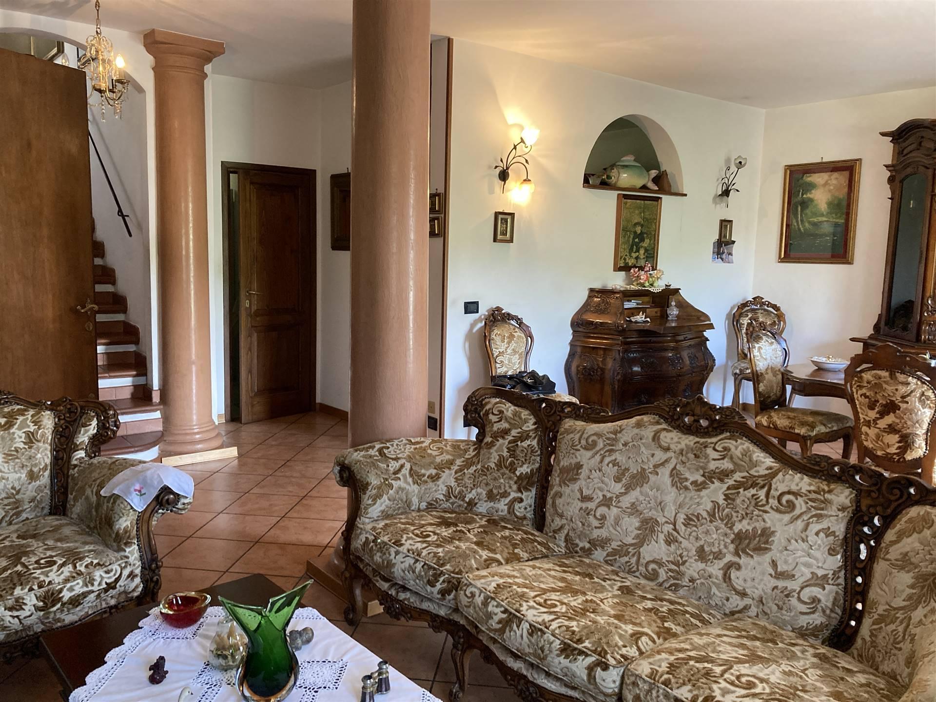 Appartamento in vendita a Greve in Chianti, 6 locali, prezzo € 185.000 | PortaleAgenzieImmobiliari.it