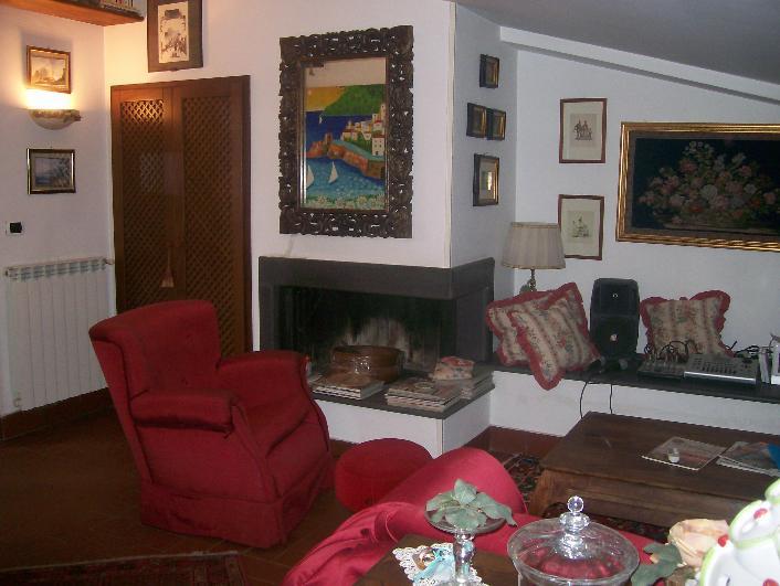 Appartamento indipendente in Via S. Carlo, Centro, Caserta