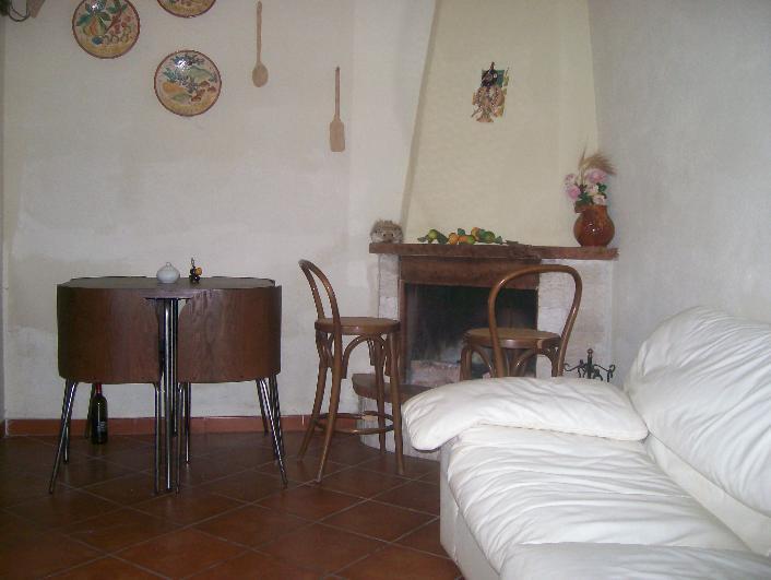 Appartamento indipendente in Via Ponte 29, Sala, Caserta