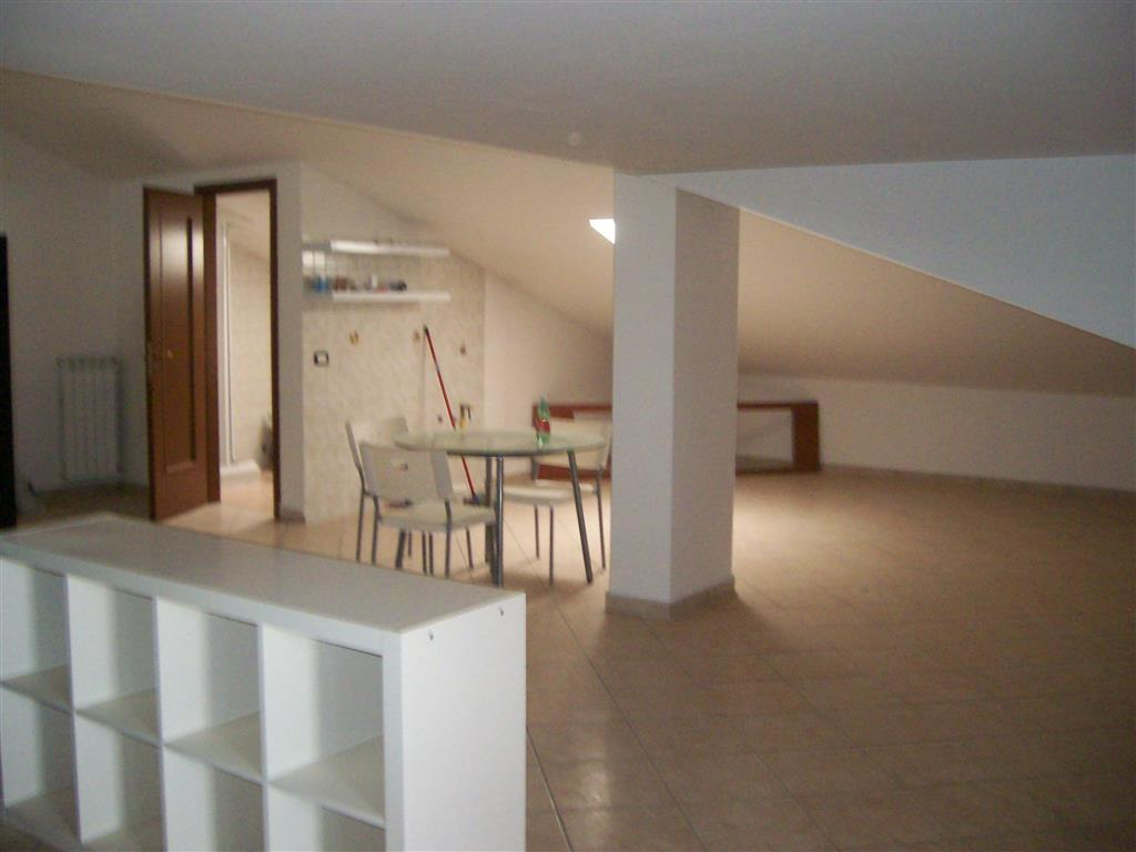 Attico / Mansarda in vendita a San Prisco, 2 locali, prezzo € 75.000   PortaleAgenzieImmobiliari.it