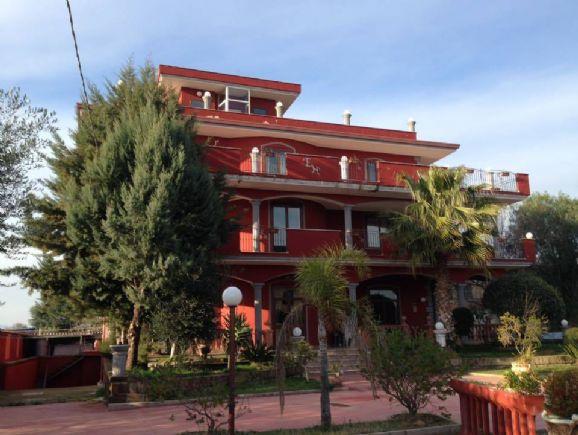 Albergo in vendita a Pastorano, 18 locali, prezzo € 1.750.000 | CambioCasa.it