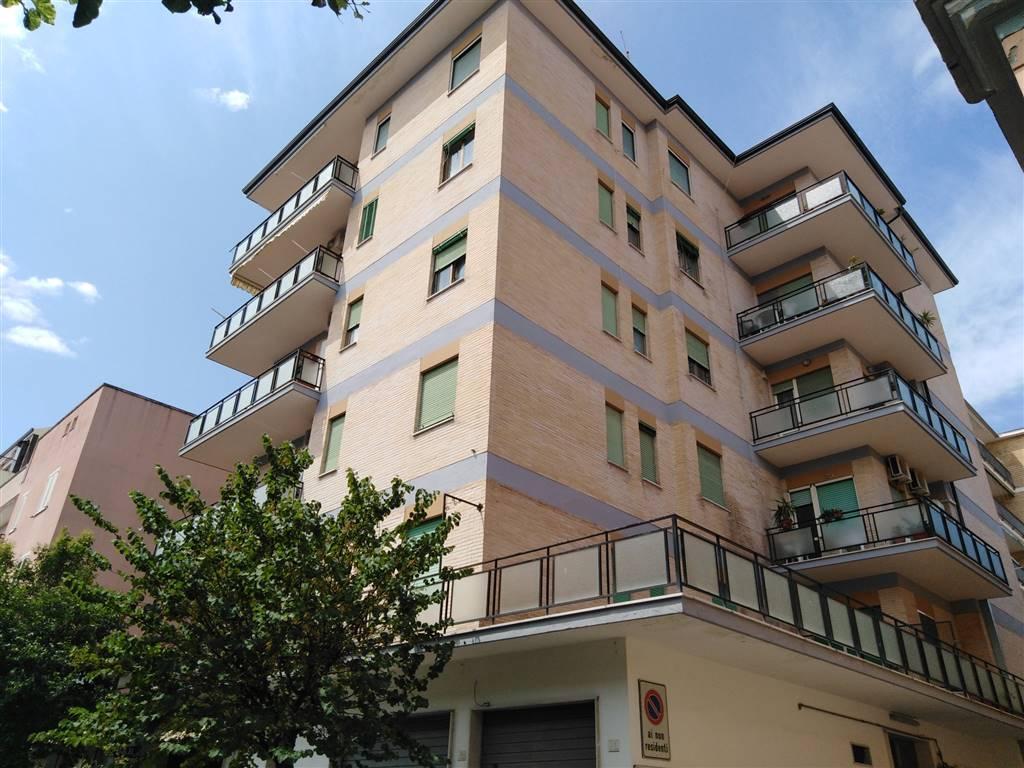 Appartamento in vendita a Caserta, 3 locali, zona Località: CASERTA FERRARECCE - ACQUAVIVA-LINCOLN, prezzo € 150.000 | PortaleAgenzieImmobiliari.it