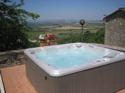 Rustico / Casale in vendita a Rapolano Terme, 8 locali, zona Zona: Serre di Rapolano, prezzo € 420.000 | CambioCasa.it